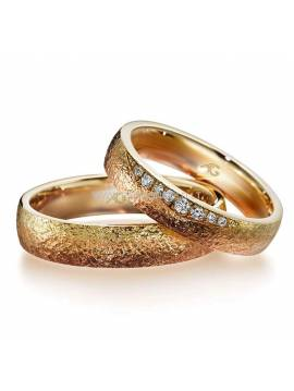 "WEDDING RING ""REDDISH YELLOW"" (with diamonds)"